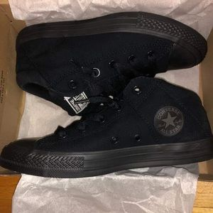 Black low top converse- Size 3